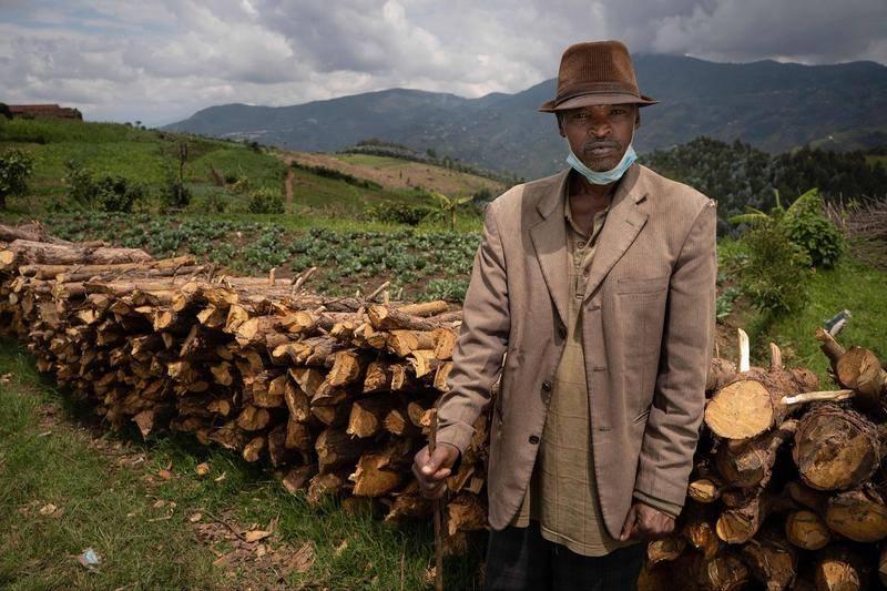 卢旺达比斯斯诺,大屠杀幸存者亚伦·马克米扎(Aaron Mukomeza)。图源:视觉中国