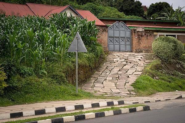 卢旺达基布耶,大屠杀共犯克劳德·穆哈伊马纳(Claude Muhayimana)曾经的居所。