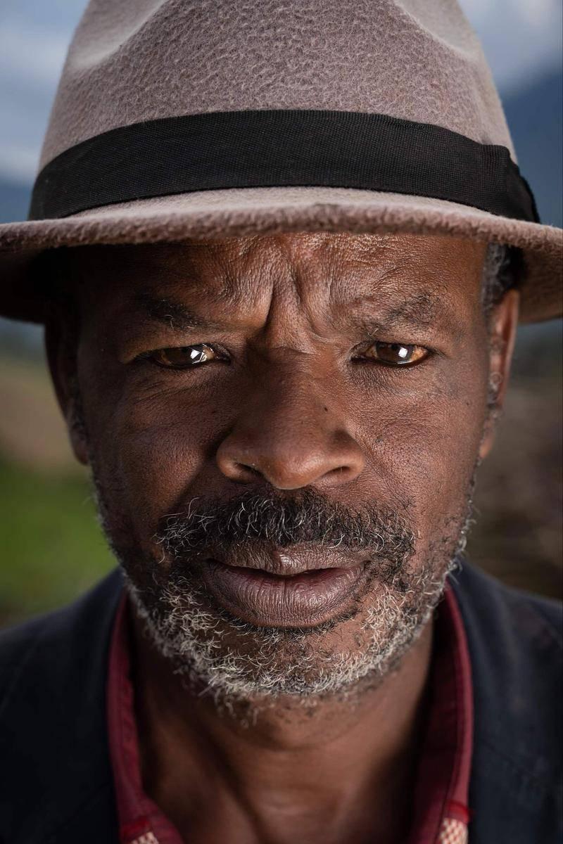 卢旺达比斯斯诺,大屠杀幸存者纳瑟斯·卡伊伽马巴(Narcisse Kayigamba)。